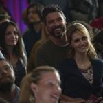 Alessandro Gassman e Paola Cortellesi in un momento del film Gli ultimi saranno ultimi di Massimiliano Bruno (Italia, 2015)