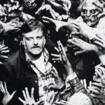 George A. Romero circondato dagli amati zombie.