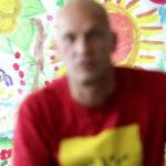 Altra immagine sfocata di un detenuto in Un altro me di Claudio Casazza (Italia, 2016)
