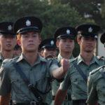 Esercitazione delle forze dell'ordine in Infernal Affairs di Alan Mak e Andrew Lau (Mou gaan dou, Hong Kong 2002)