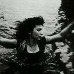 Maya Deren nel finale del cortometraggio Ritual in Transfigured Time (1946)
