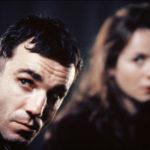 Daniel Day-Lewis ed Emily Watson in un'immagine tratta da The Boxer di Jim Sheridan (Irlanda, USA 1997)