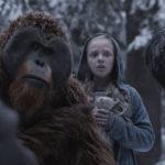 Umani e scimmie durante The War - Il Pianeta delle Scimmie di Matt Reeves (War for the Planet of the Apes, USA 2017)
