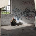Una simbolica immagine tratta dal documentario Koudelka fotografa la Terra Santa di Gilad Baram (Germania, Repubblica Ceca 2015)