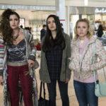 Kathryn Hahn, Mila Kunis e Kristen Bell sono le protagoniste di Bad Moms 2 - Mamme molto più cattive di Jon Lucas e Scott Moore (A Bad Moms Christimas, USA, Cina 2017)