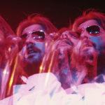"""Una """"psichedelica"""" immagine di Eric Clapton nel documentario Eric Clapton: Life in 12 Bars di Lili Fini Zanuck (UK, 2018)"""