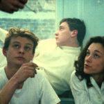 Momenti di attesa durante La vie des morts di Arnaud Desplechin (Francia, 1991)