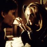 """Una """"diabolica"""" Emmanuelle Seigner circuisce Johnny Depp ne La nona porta di Roman Polanski (The Ninth Gate, Francia, USA, Spagna 1999)"""