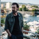 Fabrizio Gifuni è il giornalista Pippo Fava in Prima che la notte di Daniele Vicari (Italia, 2018)