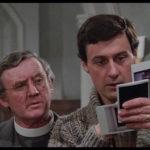 Personaggi in cerca di indizi durante Rawhead Rex di George Pavlou (UK, Irlanda, USA 1986)