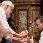 Il regista e il musicista Antonio Mascolo durante le riprese del corto Scarlatti K. 259 di Marco Tullio Giordana (Italia, 2017)