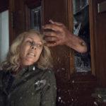 Michael Myers attacca ancora la sventurata Jamie Lee Curtis in Halloween di David Gordon Green (USA, 2018)