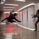 Acrobazie per sfuggire all'alieno in The Predator di Shane Black (USA, Canada 2018)