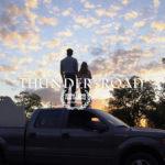 Un manifesto promozionale di Thunder Road di Jim Cummings (USA, 2018)
