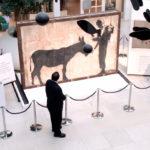 Contemplazione dell'arte nel documentario L'uomo che rubò Banksy di Marco Proserpio (Italia, 2018)
