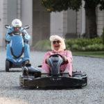 Gara di go-kart per i due protagonisti in Amici come prima di Christian De Sica (Italia, 2018)