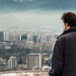 Un'immagine del regista nel documentario Santiago, Italia di Nanni Moretti (Italia, Francia, Cile 2018)