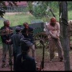 Un inquietante momento ne Il villaggio delle streghe di Jeff Burr (The Offspring, USA 1987)