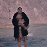 Zorica Nusheva in un momento pregnante di God Exists, Her Name is Petrunya di Teona Strugar Mitevska (Repubblica di Macedonia, Belgio, Francia 2019)