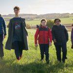 Adolecenti in missione durante Il ragazzo che diventerà Re di Joe Cornish (The Kid Who Would Be King, UK, USA 2019)