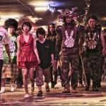 Gang in movimento nella notte nipponica in Tokyo Tribe di Sion Sono (Giappone, 2014)