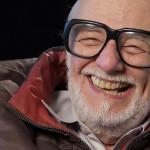 Geroge A. Romero sorrdiente in una recente immagine.