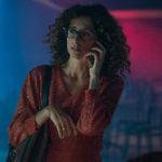 Teresa Mannino al telefono in La notte è piccola per noi di Gianfrancesco Lazotti (Italia, 2016)