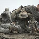 Andrew Garfield in pieno massacro durante La battaglia di Hacksaw Ridge di Mel Gibson (USA, Australia 2016)