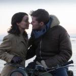 Rooney Mara e Jack Reynor in un intenso momento da Il segreto di Jim Sheridan (The Secret Scripture, Irlanda 2016)