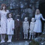 Una significativa immagine tratta da Miss Peregrine - La casa dei ragazzi speciali di Tim Burton (Miss Peregrine's Home for Peculiar Children USA, UK 2016)