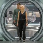 Jennifer Lawrence e Chris Pratt in un'immagine tratta da Passengers di Morten Tyldum (USA, 2016)