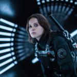 Felicity Jones, protagonista di Rogue One: A Star Wars Story di Gareth Edwards (USA, 2016)