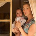 Ancora Rosamund Pike e la sua bimba in A United Kingdom di Amma Asante (USA, UK 2016)