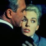 James Stewart e Kim Novak in un momento de La donna che visse due volte di Alfred Hitchcock (Vertigo, 1958)