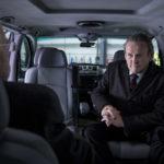 Colm Meaney nell'abitacolo dell'auto ne Il viaggio di Nick Hamm (The Journey, UK 2016)