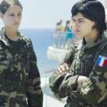 Ariane Lebed e Soko, militari in Voir du pays di Delphine Coulin e Muriel Coulin (Francia, Grecia 2016)