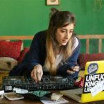 Rapporti virtuali in Libere, disobbedienti, innamorate di Maysaloun Hamoud (In Between, Israele, Francia 2016)