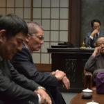 Momenti di riflessione nel corso di Outrage Coda di Takeshi Kitano (Giappone, 2017)