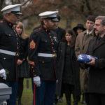 Scene da un funerale in Last Flag Flying di Richard Linklater (USA, 2017)