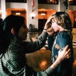 Shelley Duvall esamina il piccolo Danny Lloyd in Shining di Stanley Kubrick (The Shining, UK, USA 1980)