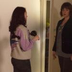 Erana James e Melanie Lynskey in un momento di The Changeover di Miranda Harcourt e Stuart McKenzie (Nuova Zelanda, UK 2017)