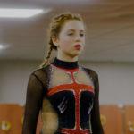 La giovane Sarah Bramms in un momento sportivo di Kiss and Cry di Chloé Mahieu e Lila Pinel (Francia, 2017)