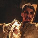 Tempi duri per uno dei personaggi di Scarecrows di Stuart Stone (Canada, 2017)