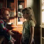 Bambina in pericolo con Chucky durante La maledizione di Chucky di Don Mancini (USA, 2013)
