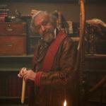 Jonathan Pryce in un'immagine tratta da Dickens - L'uomo che inventò il Natale di Bharat Nalluri (The Man Who Invented Christmas, Canada, Irlanda 2017)