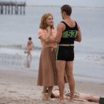 Kate Winslet con Justin Timberlake in un momento de La ruota delle meraviglie di Woody Allen (Wonder Wheel, USA 2017)