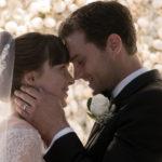 Dakota Johnson e Jamie Dornan sposi innamorati in Cinquanta sfumature di rosso di James Foley (Fifty Shades Freed, USA 2018)