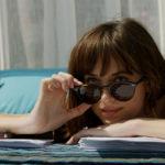 Tintarella integrale per Dakota Johnson in Cinquanta sfumature di rosso di James Foley (Fifty Shades Freed, USA 2018)