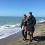 La giornalista di Repubblica Federica Angeli con il marito in Roma Golpe Capitale di Francesco Cordio (Italia, 2018)