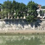 Una veduta del lungotevere romano in Roma Golpe Capitale di Francesco Cordio (Italia, 2018)